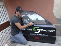 Película de protección de vehiculos