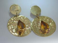 Zarcillos con circones en todas las formas y colores montadas sobre bronce