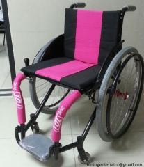 Sillas de ruedas en aluminio y coches ortopedicos