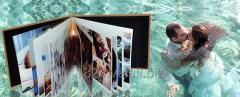Photobook Grande de 40 Páginas - Portada con tus Iniciales en Relieve