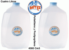 Agua mineral, cuatro litros