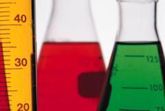 Catalizador en solucion acuosa para resinas de