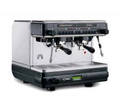 Máquina de café expresso compacta M32 Bistrò