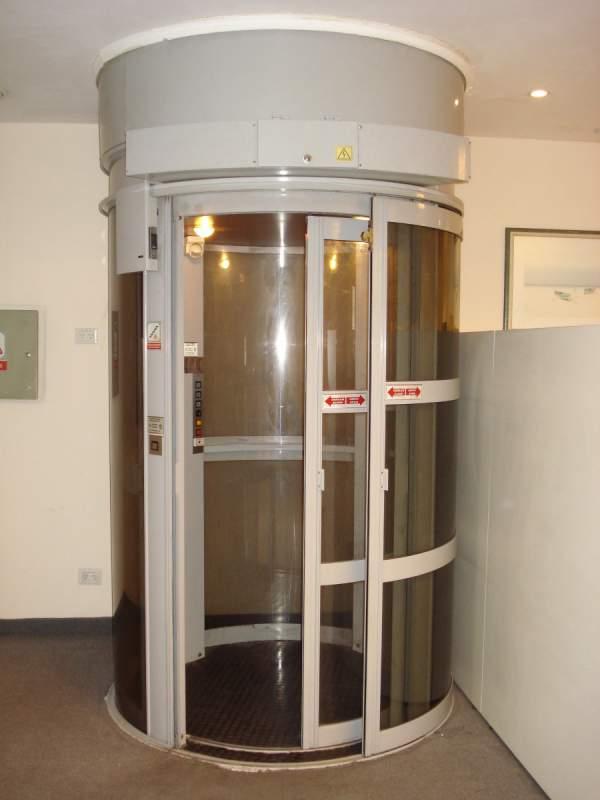 Pedido Reparación inmediata de ascensores