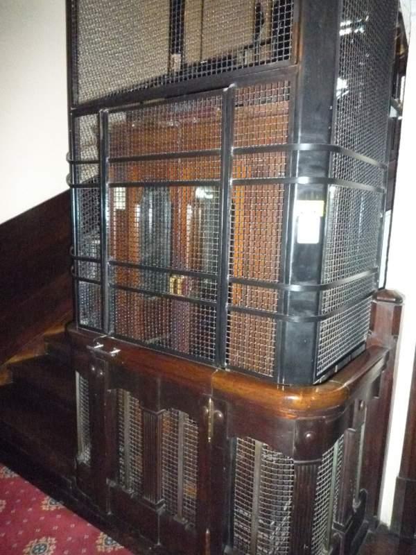 Pedido Cambio de piezas de ascensores