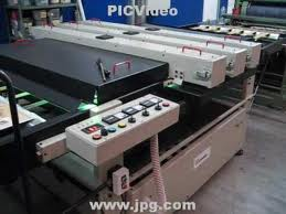 Pedido Ofrecemos al sector transformador servicios de barnizado e impresión sobre metal en nuestras cuatro líneas de litografía.
